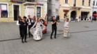 Romii din Cluj-Napoca şi-au sărbătorit ziua în centrul oraşului