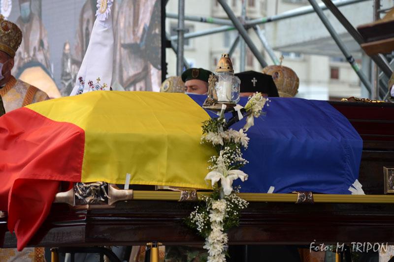 Funeralii-24