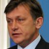Crin Antonescu: Îl încurajez public pe primul ministru să reziste acestui şantaj al UDMR