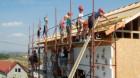 Voluntari UniCredit Ţiriac Bank pe şantierul Habitat
