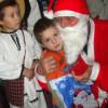 Copiii din Strîmbu l-au colindat pe Moş Crăciun