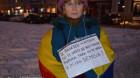 """A 33-a zi de proteste, la Cluj: """"Vrem Mărţişor/ Fără dictator"""""""