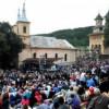 Mănăstirea Nicula a fost luată cu asalt de aproape 70.000 de credincioşi cu ocazia Praznicului Adormirii Maicii Domnului