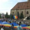 Premieră la Cluj-Napoca: Piaţa Unirii – acoperită cu un tricolor de 675 de metri pătraţi