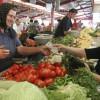 În august s-au ieftinit doar fructele, legumele şi combustibilii