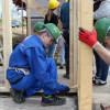 Liceenii clujeni construiesc o casa Habitat pentru care au strîns bani tot anul şcolar