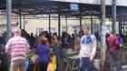 Bişniţari şi roşii cu miros de urină, în piaţa din centrul Turzii