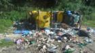 Traseu turistic plin de gropi şi gunoaie