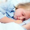 Copiii care sunt culcaţi devreme riscă mai puţin să ajungă obezi la adolescenţă