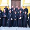 Episcopii catolici îl invită pe Papa Francisc în România