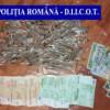 Arme şi droguri confiscate de poliţişti