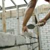 Concedieri în comerţ, stabilitate în construcţii, industrieindustrie, industrie,  şi servicii