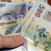 Salariul mediu net a scăzut la 2.300 lei