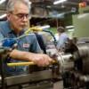 Industria prelucrătoare furnizează cele mai multe locuri de muncă
