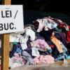 România second-hand:  Sub o treime dintre români şi-au luat, anul trecut, haine noi şi tot atâţia nu au avut bani pentru întreţinerea locuinţei