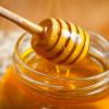 Câte un borcan de miere, lunar, pentru copii din România