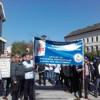 Salariaţii din învăţământul preuniversitar încep protestele. Peste 100 de dascăli au pichetat Prefectura