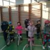 Elevi de ciclul primar şi gimnazial au învăţat cum să circule regulamentar cu bicicleta