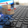 Îmbrăcămintea şi produsele sportive – principalele cumpărături făcute online