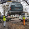 Municipalitatea continuă acţiunea de ridicare a maşinilor abandonate pe domeniul public