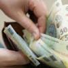 In ianuarie salariile au scăzut faţă de decembrie cu peste 140 de lei