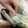 Salariul mediu a crescut cu o samă de nimica