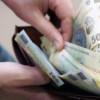 Salariul mediu net a trecut de 2.700 lei