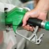Taxe de circa 50% în preţul combustibililor