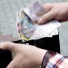 Salariul este cea mai importantă sursă a veniturilor unei gospodării româneşti