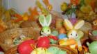 Opt din zece români dăruiesc cadouri de Paşti