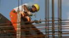 Angajări în comerţ şi construcţii, scumpiri peste tot