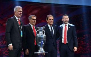 Campioana mondială și europeană, în aceeași grupă