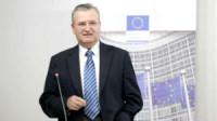 """Fostul negociator șef al României cu UE, Vasile Puşcaş: """"A fi singur pe lume înseamnă autocondamnare la pierzanie!"""" (I)"""